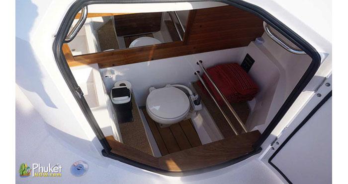 Limpopo-30-foot-cabin-boat-7