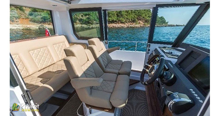Limpopo-30-foot-cabin-boat-8